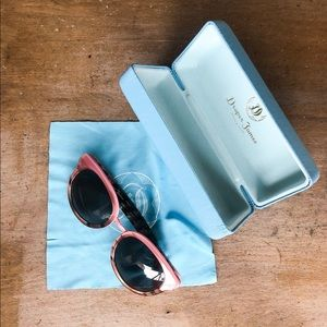 Draper James Accessories - Draper James Pink Tortoise Frame Sunglasses